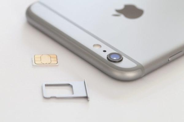 iphone6 sim 600x400 - Apple a Samsung spolupracujú na novom štandarde SIM kariet