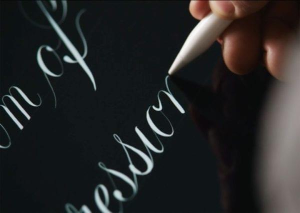 ipad pro pencil typography 600x427 - Apple Pencil 2 dostane jednoduchší dizajn, gestá a nové nabíjanie
