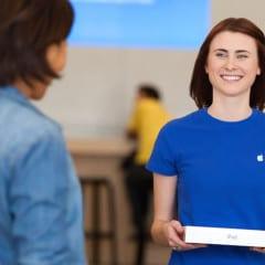"shop with specialist large 240x240 - Apple plánuje rozšíriť službu ""Personal Pickup"" aj mimo US"