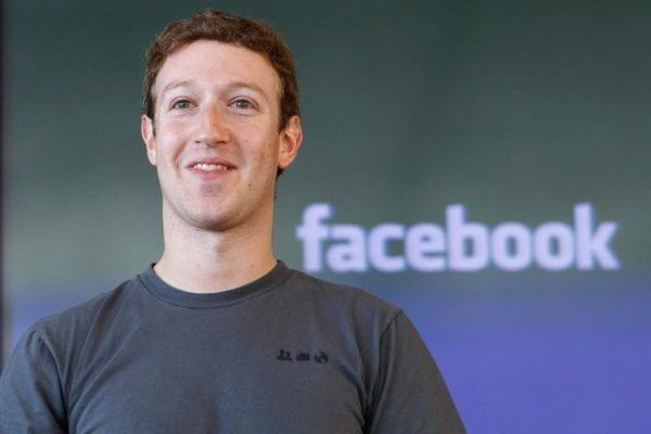 Mark Zuckerberg1 600x400 - Mark Zuckerberg verbálne napadol Apple