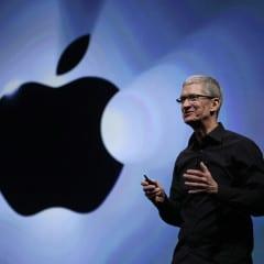 tim cook keynote avenuemagazine 240x240 - Do aukcie sa dostal obed s generálnym riaditeľom Apple