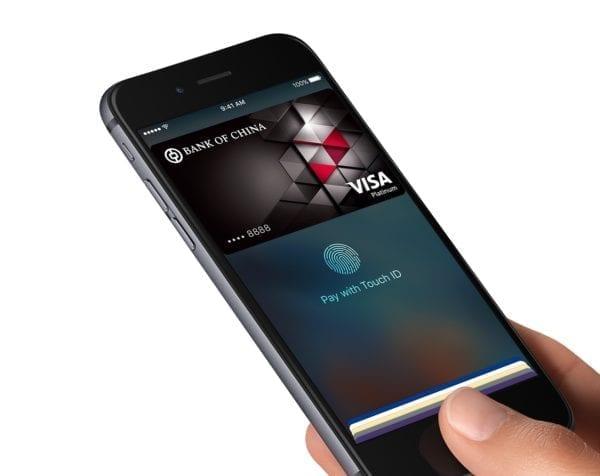 apple pay hong kong2 600x476 - Apple opäť skúma peer-to-peer platby, možno bude vydávať vlastné Visa karty