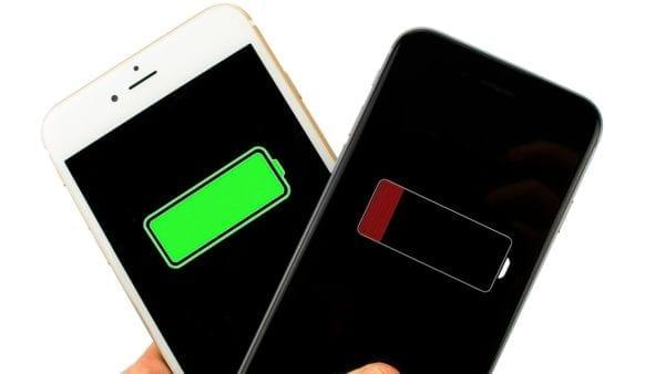 iphone battery icons 600x338 - Minuloročný iPhone X prekonal iPhone Xs a Xs Max vo výdrži batérie