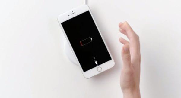 Oficiálna bezdrôtová nabíjačka pre iPhone 8 nie je pripravená na predaj 73859ee6b2a