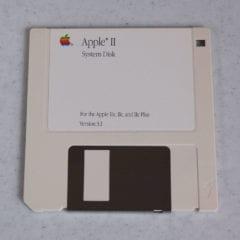 snap34 240x240 - Apple kúpil na eBayi svoj vlastný starý softvér pre archívne účely