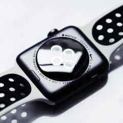 Nike Lab Apple Watch 05 240x240 - Apple Watch budú možno už čoskoro merať hladinu cukru v krvi, umožniť by to mali smart náramky