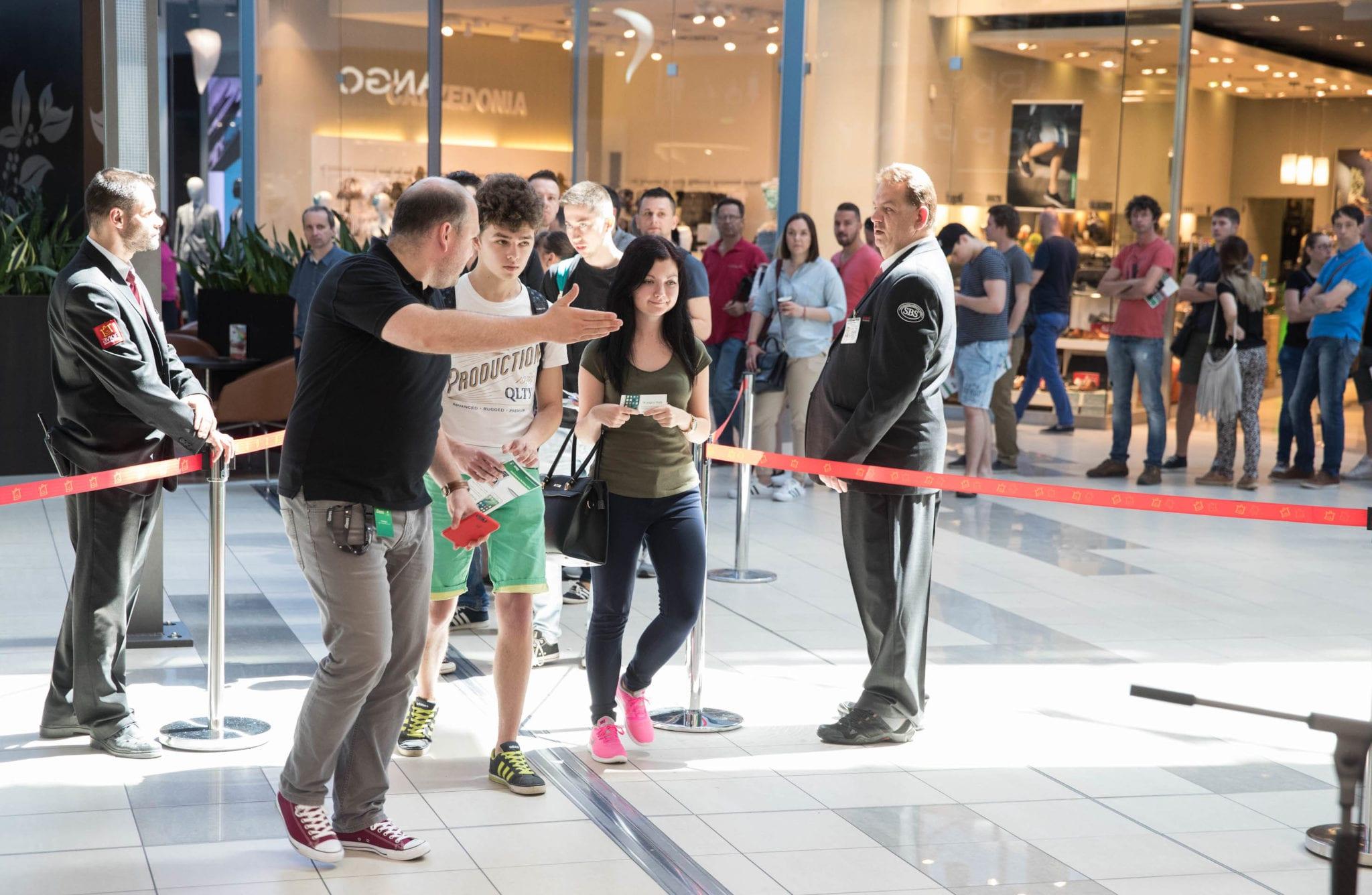 1a8af22d13 GTF 7570 - iStores otvoril svoju najväčšiu predajňu v OC Avion v Bratislave