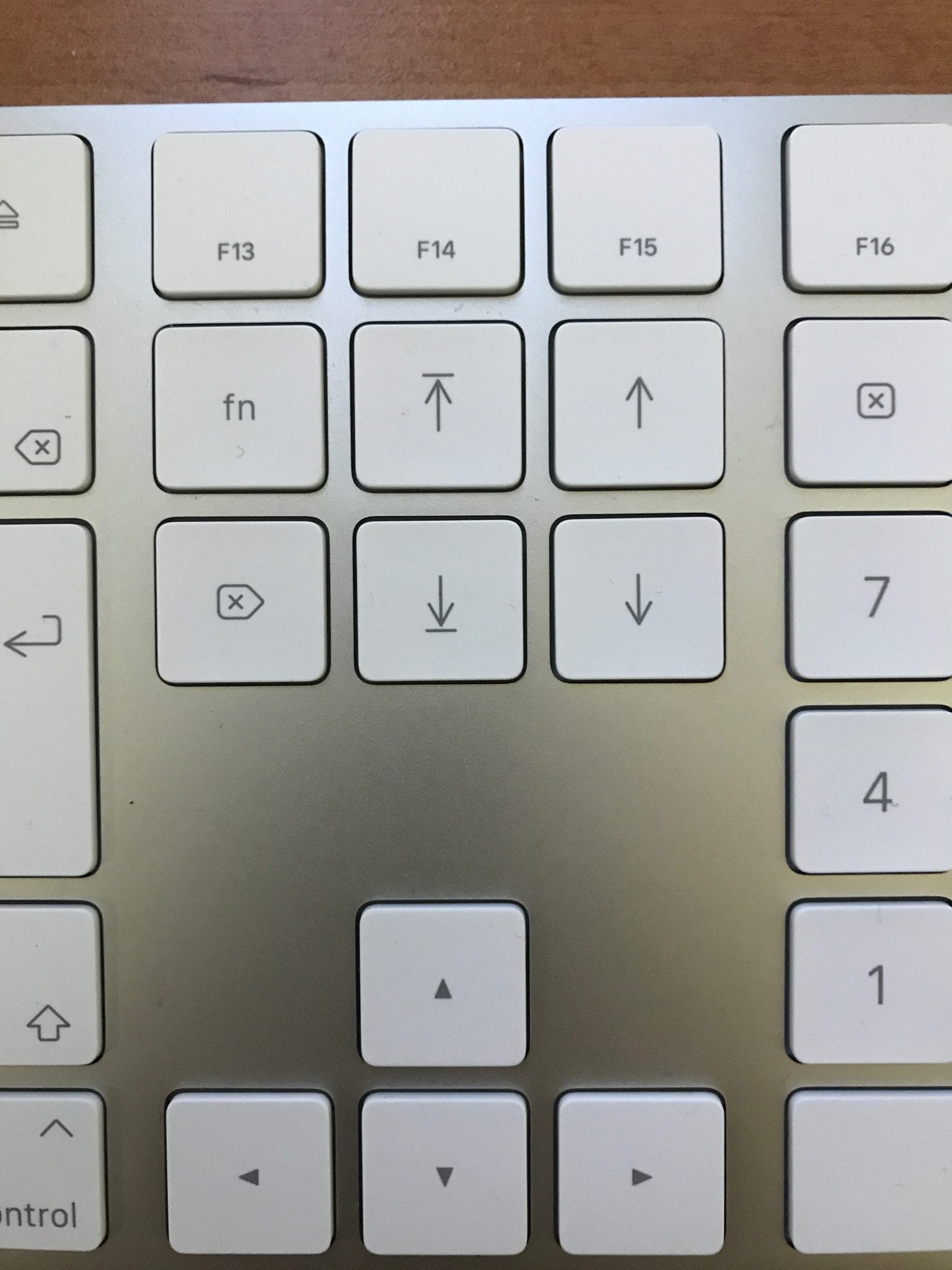 IMG 1688 - Recenzia: Magic Keyboard s numerickými klávesami