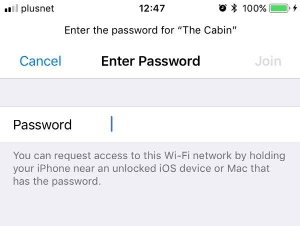 ios 11 wifi on iphone sharing 600x453 - V iOS 11 je sdílení hesla k Wi-Fi s práteli jednodužší než kdy dříve