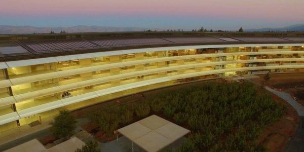 Apple Park září 600x300 - Podívejte se na nové dron video z Apple Parku
