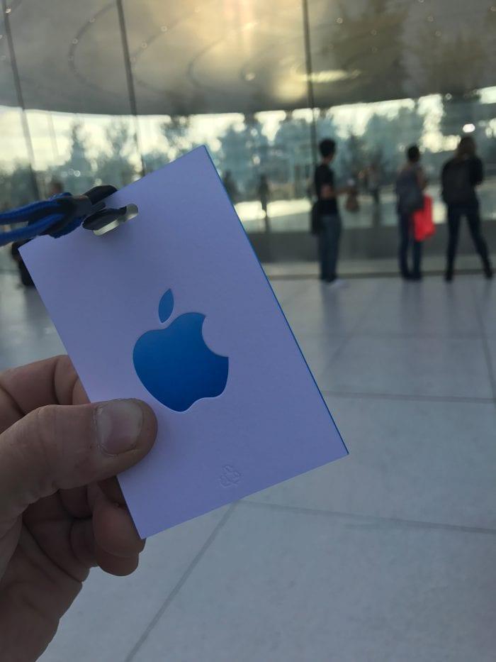 Apple Special Event 11 - Podívejte se jak to vypadá v Apple parku a Steve Jobs Theater těsně před eventem