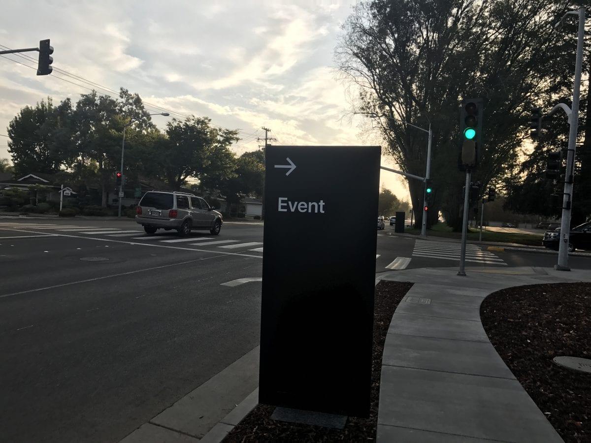 Apple Special Event 2 - Podívejte se jak to vypadá v Apple parku a Steve Jobs Theater těsně před eventem