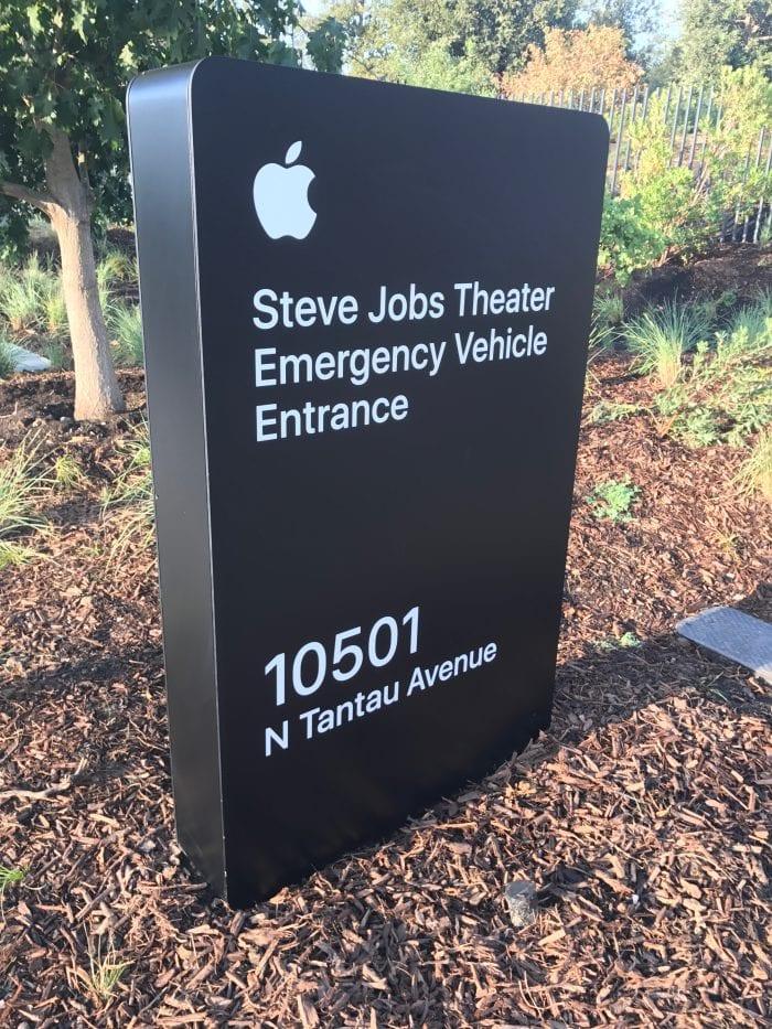 Apple Special Event 5 - Podívejte se jak to vypadá v Apple parku a Steve Jobs Theater těsně před eventem