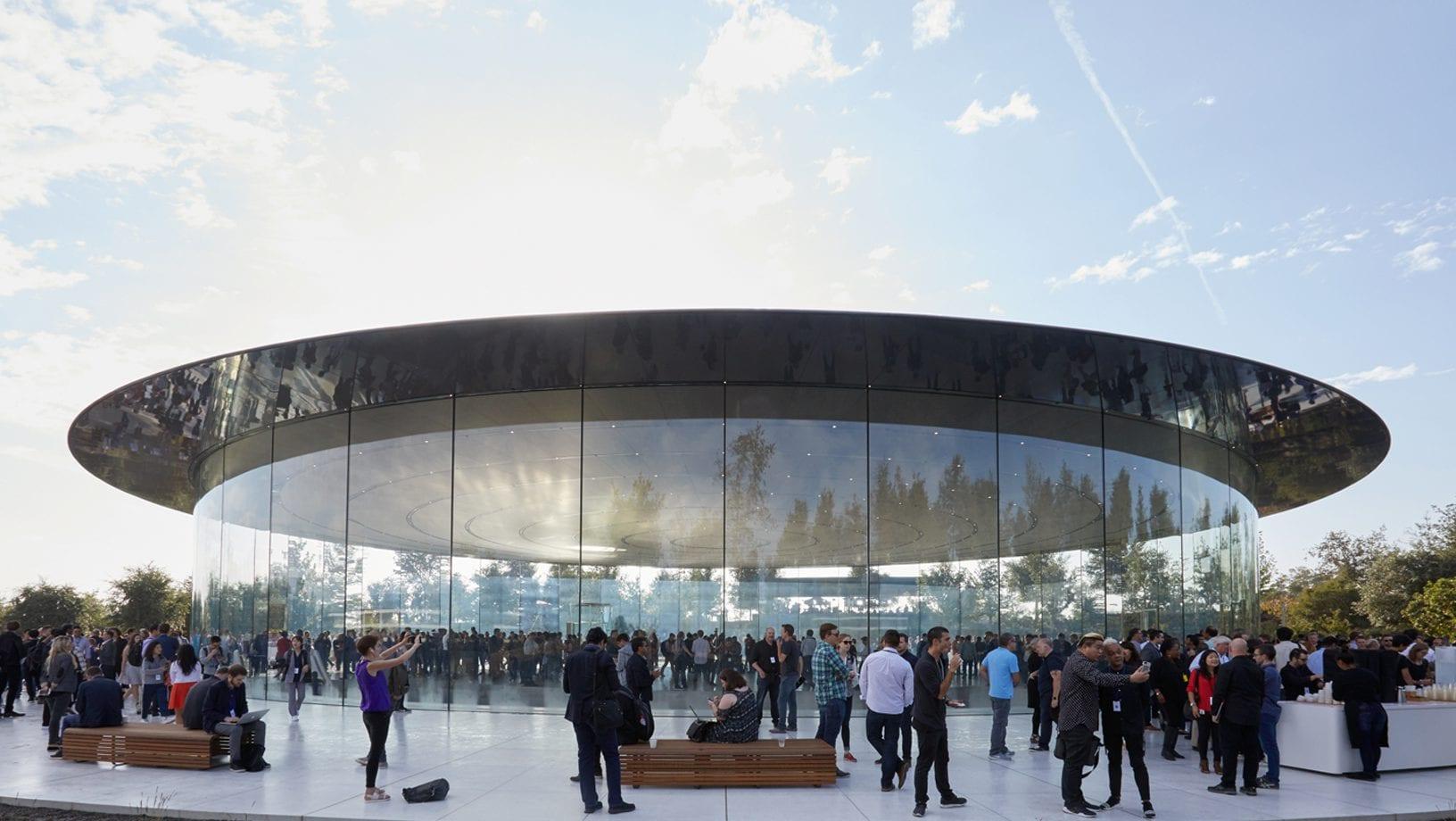 Apple foto 11 - Apple sdílel své vlastní fotky ze včerejšího Apple Special Eventu