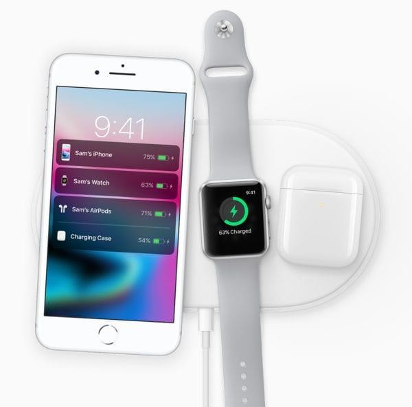 iphone 8 apple watch airpods airpower dock 600x593 - Po nainstalování iOS 11.2 budete moci nabíjet iPhone 8 & X bezdrátově rychleji