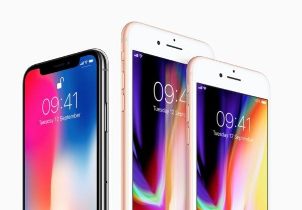 iphone x 8 compare 600x418 - iPhone X vs. iPhone 8 – porovnanie a ceny u nás