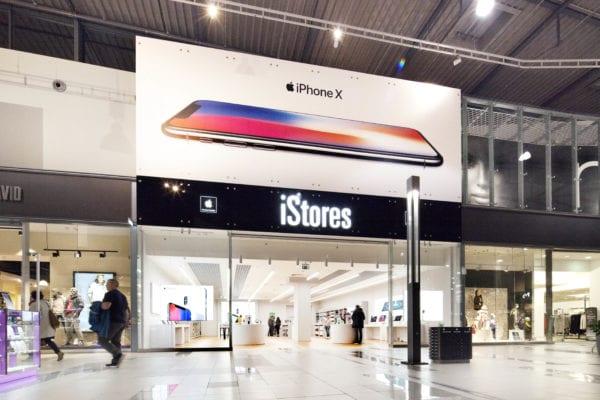 iStores Avion2017 11 07 600x400 - iStores na Slovensku sprístupňuje iPhone  za 299 € všetkým! 6005bf7c82a