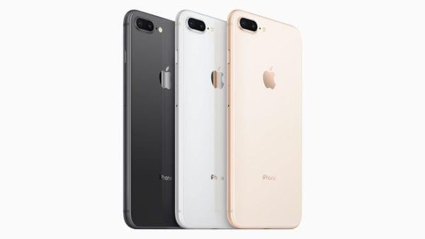 Apple iPhone 8 a 8 Plus Apple 04 600x338 - Za znižovanie výkonu iPhonov Apple už čelí vyše 20 žalobám, výmeny batérií budú stáť milióny