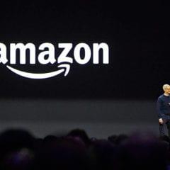 amazon prime tim cook wwdc 240x240 - Apple platí Amazonu 30 miliónov dolárov mesačne za využívanie jeho cloudových služieb