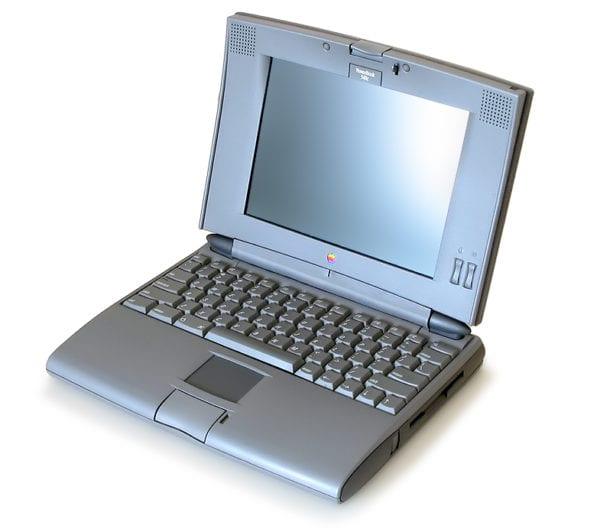 540c open 600x532 - Spät do minulosti: Apple PowerBook a MacBook