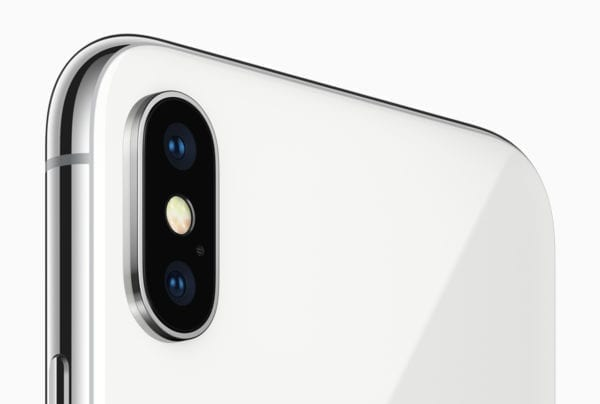 iPhone X 1 4 600x404 - 6.1-palcový iPhone si môže požičať displej od LG G7