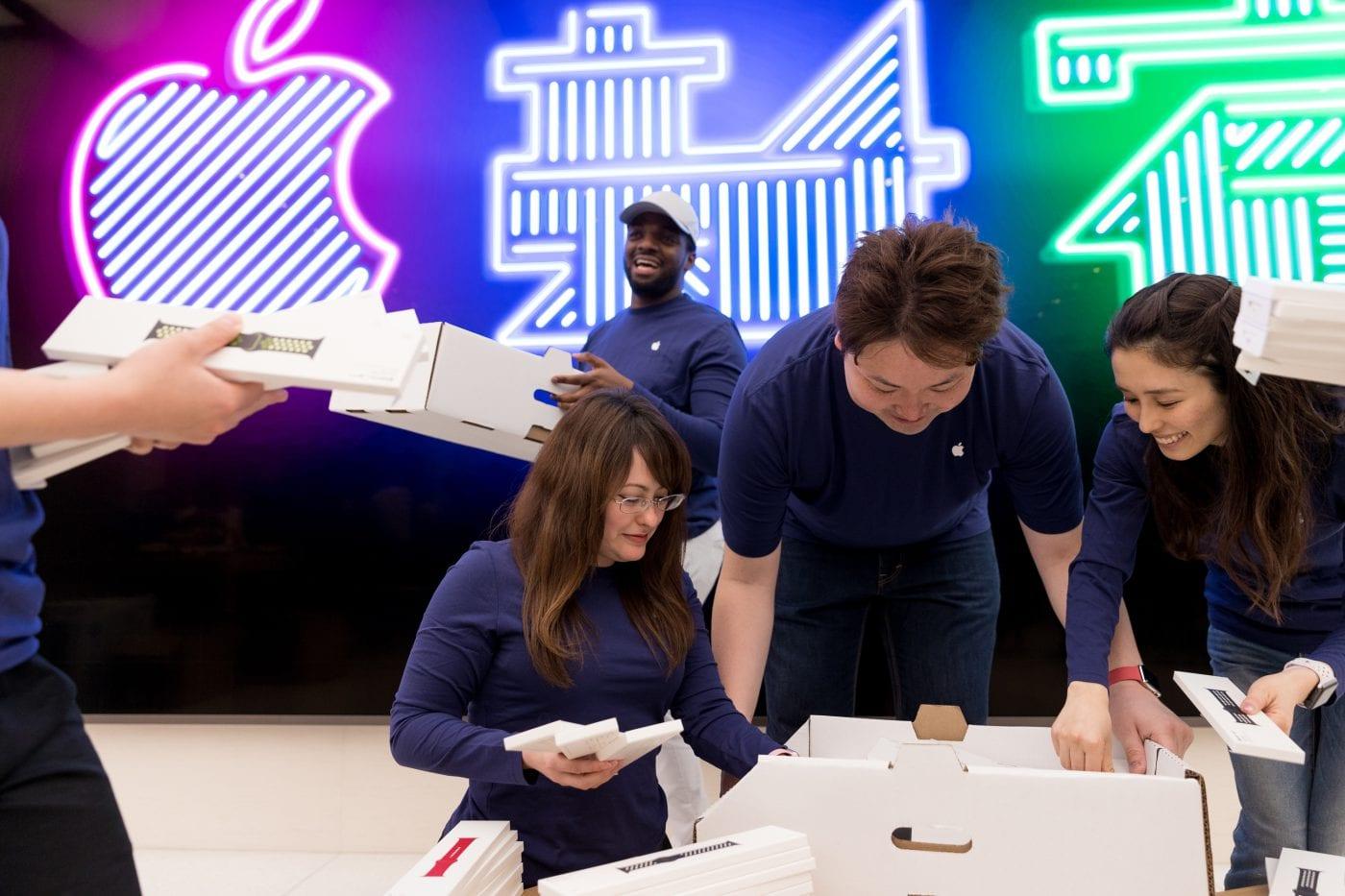 Apple Store Shinjuku Tokyo 2 - Apple sdílel fotky z nového Apple Storu v Shinjuku, Tokyu