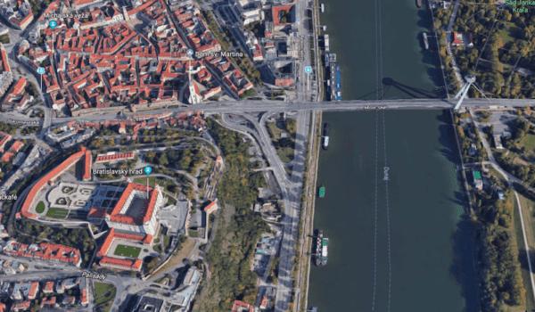 Google Maps Flyover Bratislava 1 600x350 - Google Maps predbehli Apple a prinášajú Flyover Bratislavy