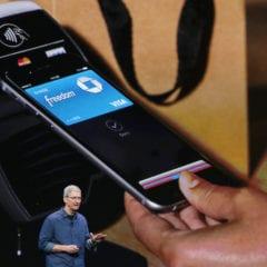 apple pay tim cook keynote 240x240 - Apple Pay vstúpi do Nemecka ešte tento rok