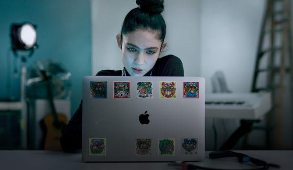 behind the mac grimes 600x349 - Behind the Mac: pozrite si sériu inšpiratívnych reklám