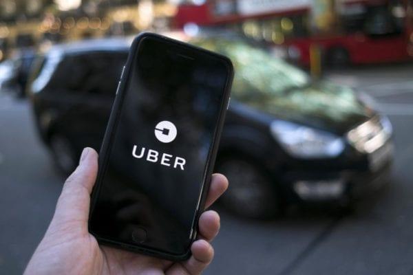 uber iphone logo techENT 600x400 - Uber prináša nové funkcie, uľahčia vyzdvihnutie vodičom