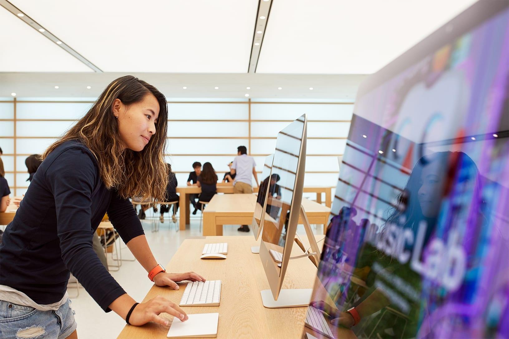 NSO Kyoto new multilevel interior 08222018 - Galéria: Pozrite si najnovší Apple Store v centre Kjóta