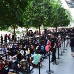 appleorchardroad 800x450 240x240 - Pred kamennými predajňami Apple sa začínajú zhromažďovať zákazníci