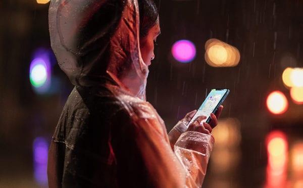 iPhone XR StreetShot 09122018 600x372 - Apple predstavil lacnejší, no plne vybavený iPhone XR