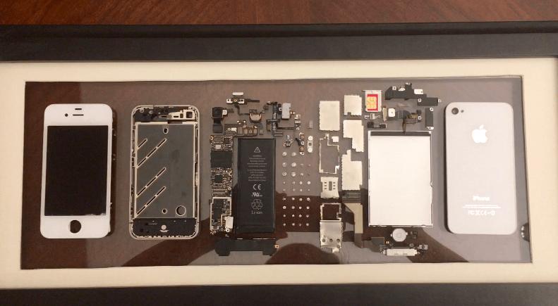 iPhone 4 picutre frame - Týždeň v skratke: vojna s Qualcommom, Apple modemy a koniec sociálnej siete