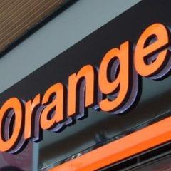 orange predajna 240x240 - Update: Orange spúšťa podporu pre eSIM, zatiaľ len pre hodinky od Samsungu