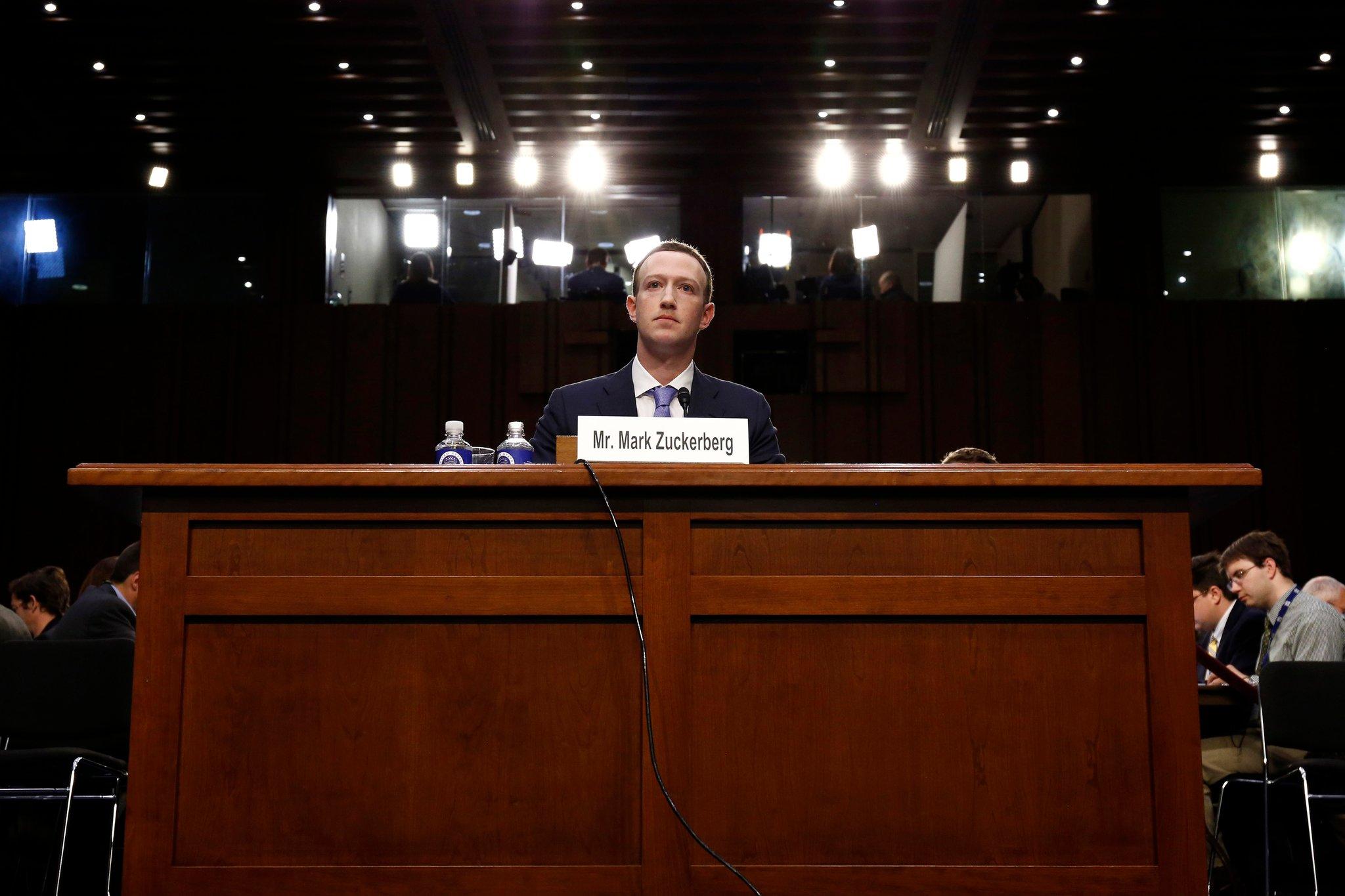 zuckerberg newyorktimes - Facebook zbiera citlivé údaje bez povolenia, delí sa o ne s vyše 150 spoločnosťami