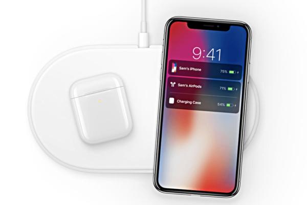 AirPods and AirPower and iPhone 600x400 - Apple vraj začne predávať nové AirPods, AirPower a iPad budúci mesiac