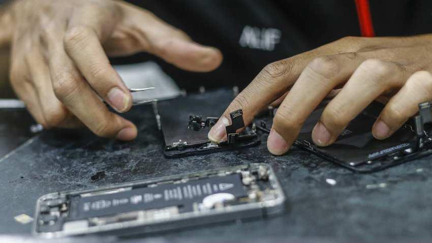 iphone repair - Týždeň v skratke: televízia, magazíny a hry, EKG za hranicami a rozbité klávesnice