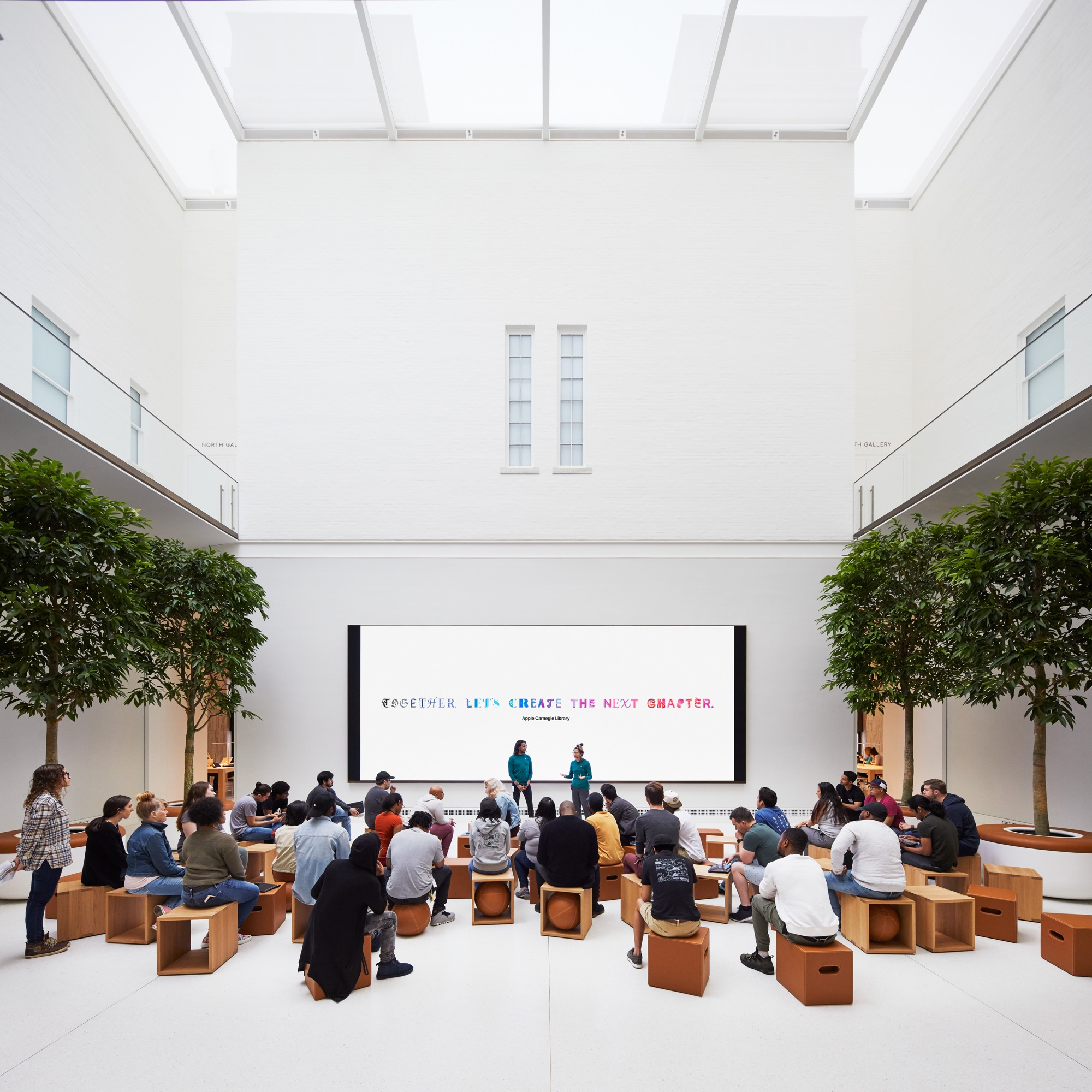 Apple Carnegie Library The Forum Today At Apple 05092019 - Galéria: Nový Apple Store vo washingtonskej Carnegie Library