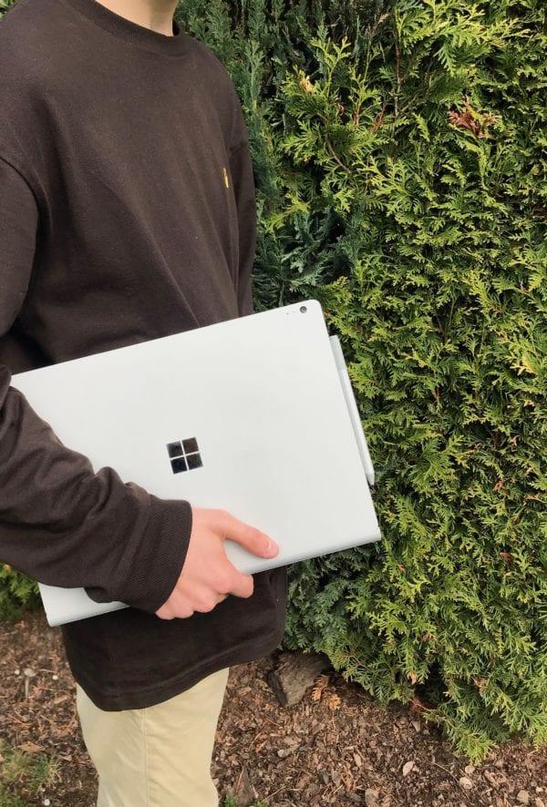 IMG 9887 600x886 - Recenze Microsoft Surface Book 2: dokáže překonat MacBook Pro?