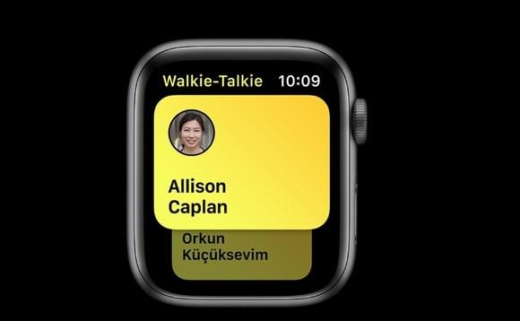 AppleWatch 580x358 - Apple musel vypnout funkci Vysílačka na Apple Watch - umožňovala odposlech