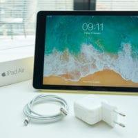 Predám iPad Air 2 Space Gray 64 GB + smart cover yellow
